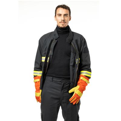 Tenues de protections individuelles pour sapeurs-pompiers et équipes d'interventions